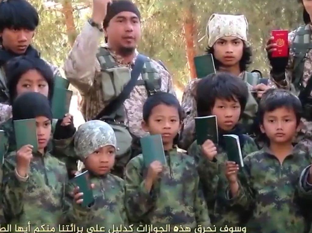 Jokowi Tolak WNI Eks ISIS Pulang, Bagaimana dengan yang Anak-anak?
