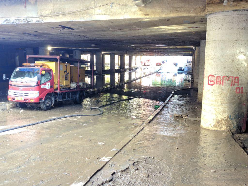 Underpass Kemayoran Belum Bisa Dilalui Kendaraan, Masih Digenangi Air 15 Cm