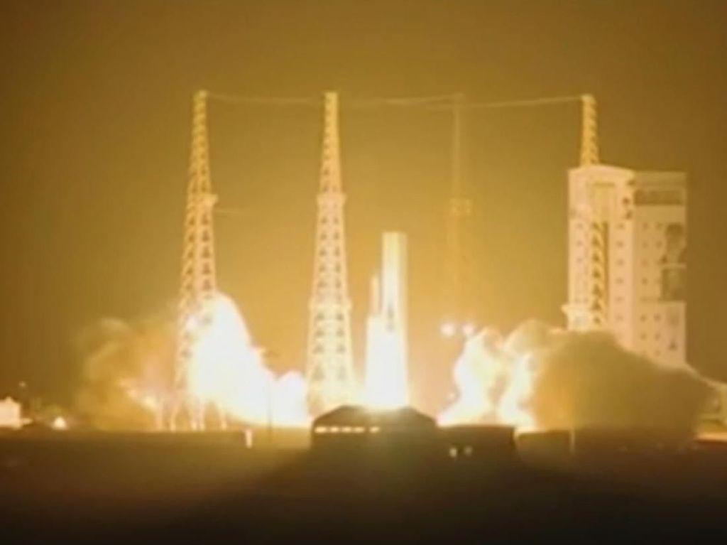 Iran Sukses Luncurkan Satelit ke Luar Angkasa Tapi Gagal Capai Orbit