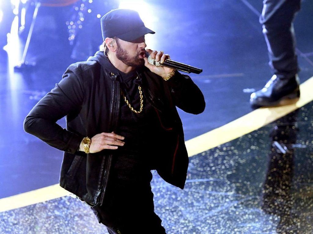 Tak Pernah Hadiri Penghargaan, Ini Alasan Eminem Tiba-tiba Tampil di Oscar