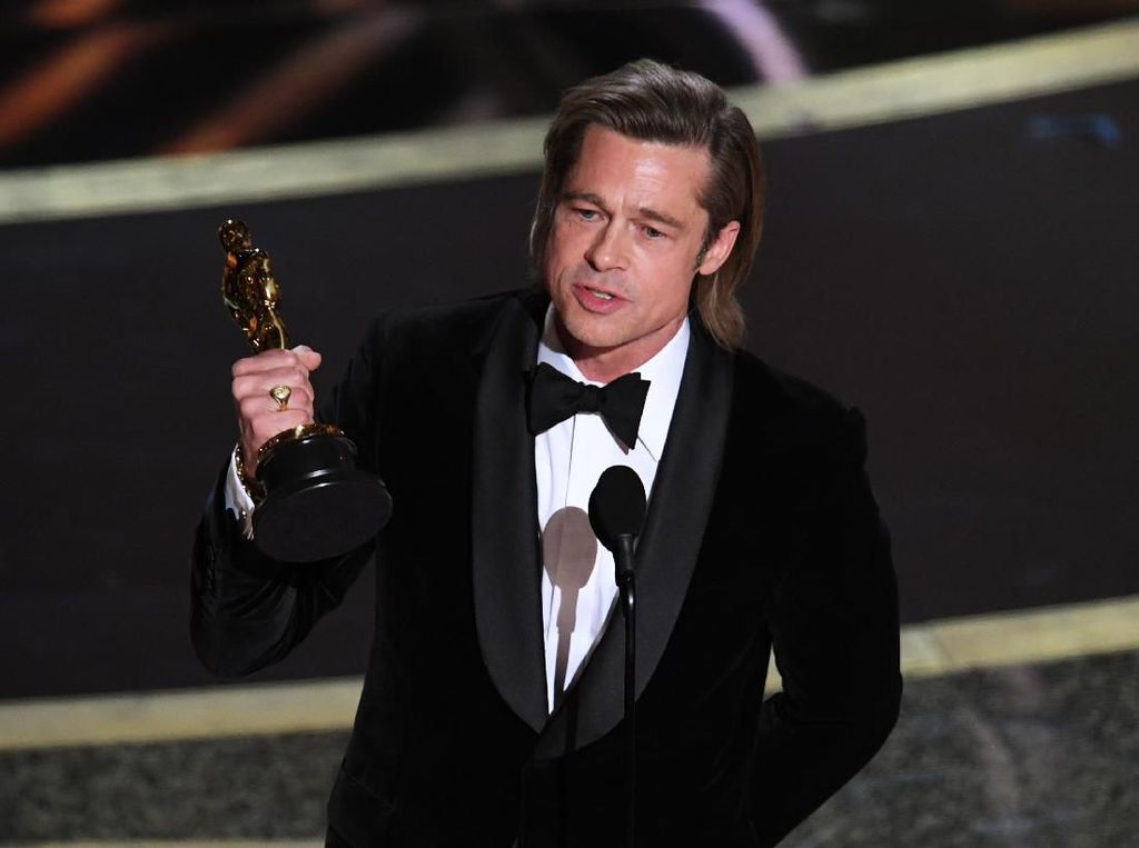 Film Allied Bikin Brad Pitt Diterpa Rumor Selingkuh dengan Marion Cotillard