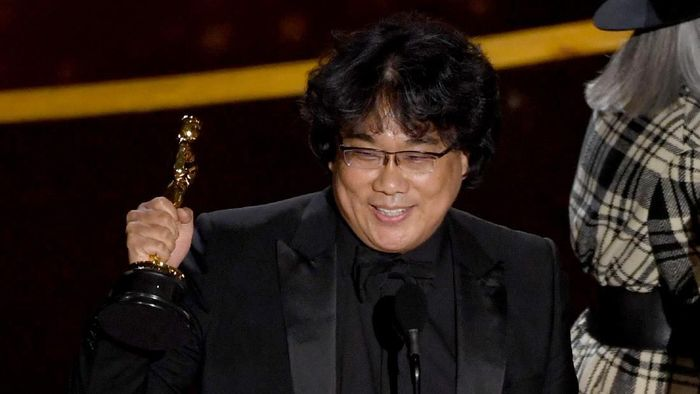 HOLLYWOOD, CALIFORNIA - FEBRUARY 09: Bong Joon-ho accepts the Writing - Original Screenplay - award for Parasite onstage during the 92nd Annual Academy Awards at Dolby Theatre on February 09, 2020 in Hollywood, California. (Photo by Kevin Winter/Getty Images)