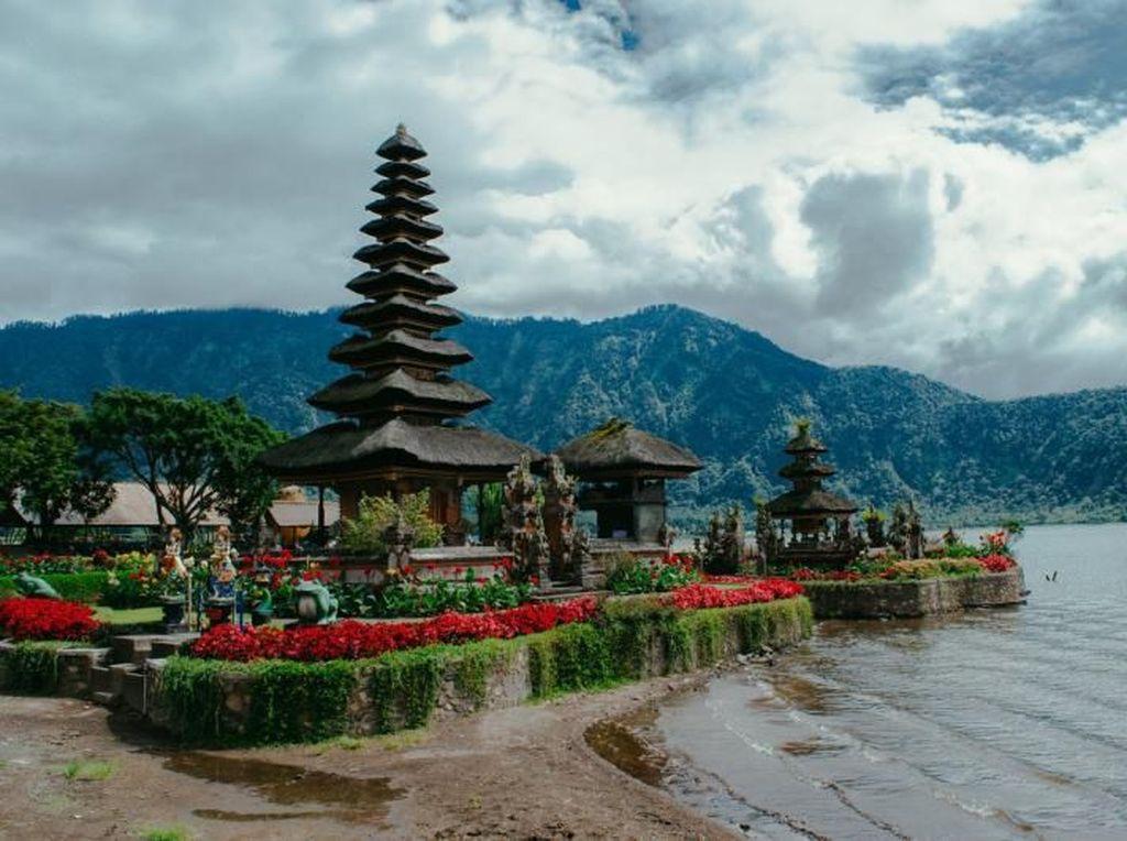 Indahnya Pura Bali di Uang Rp 50.000