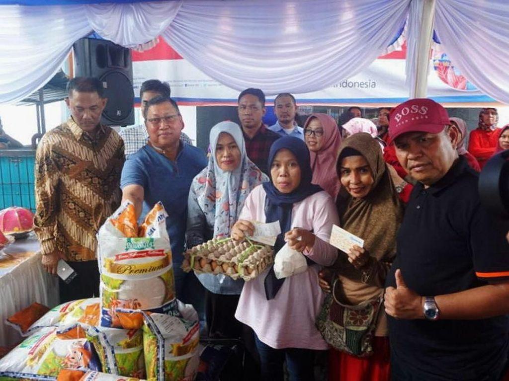 Sembako Murah untuk Warga Makassar