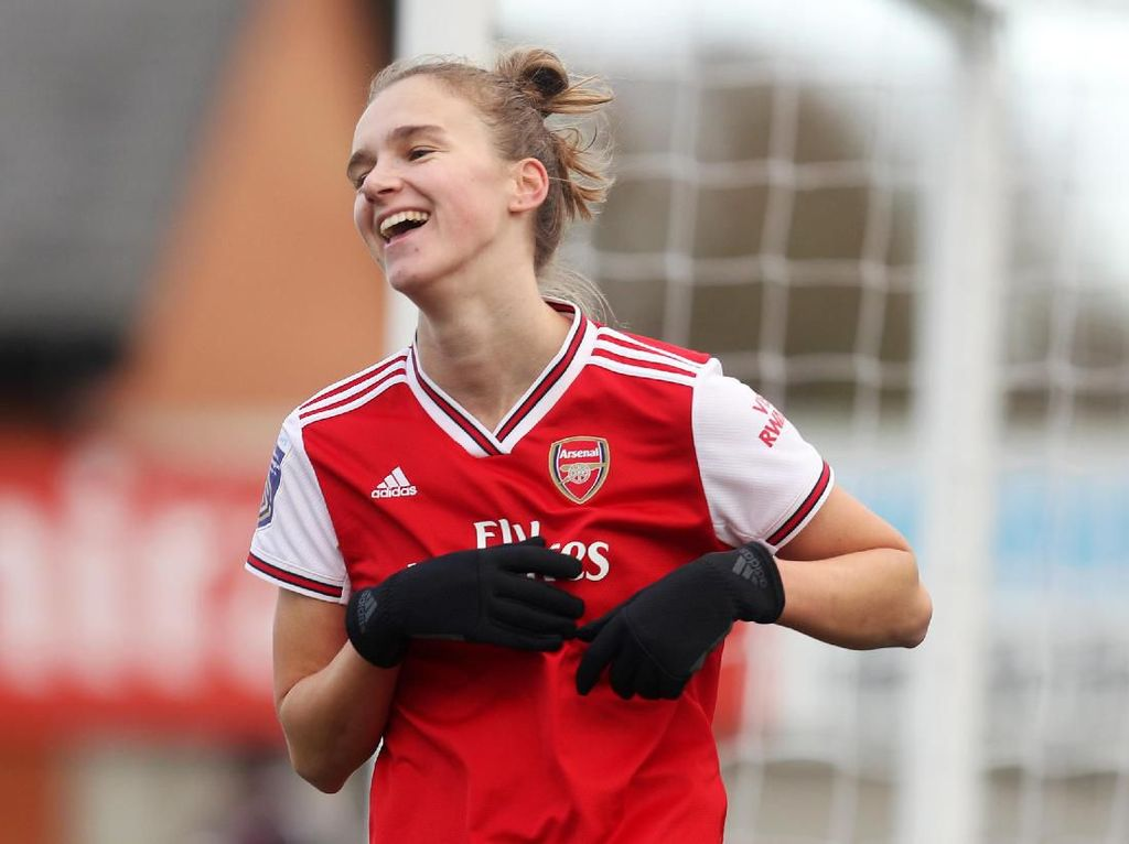 Perkenalkan, Ini Striker Cantik Arsenal