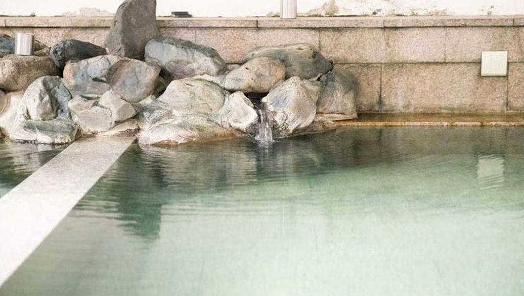Foto-Foto Kolam Pemandian Bersama Dewa Jepang