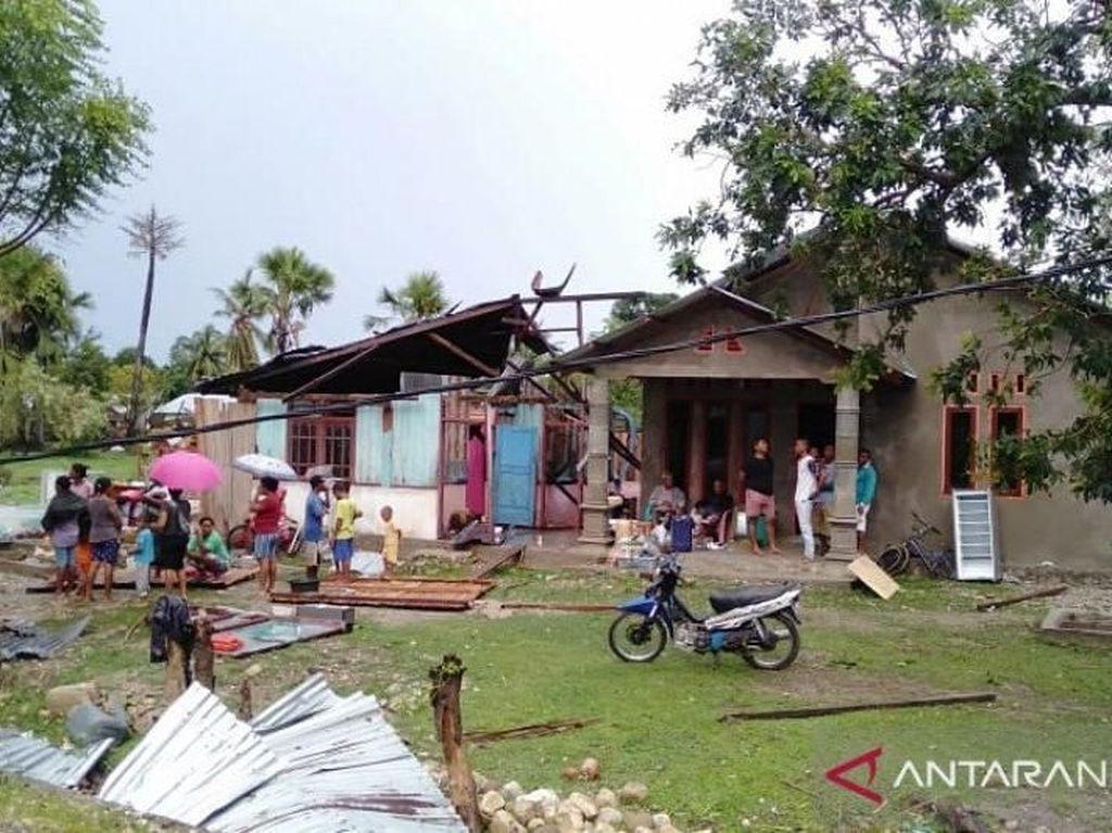 2 Desa di NTT Diterjang Puting Beliung, Puluhan Rumah Rusak