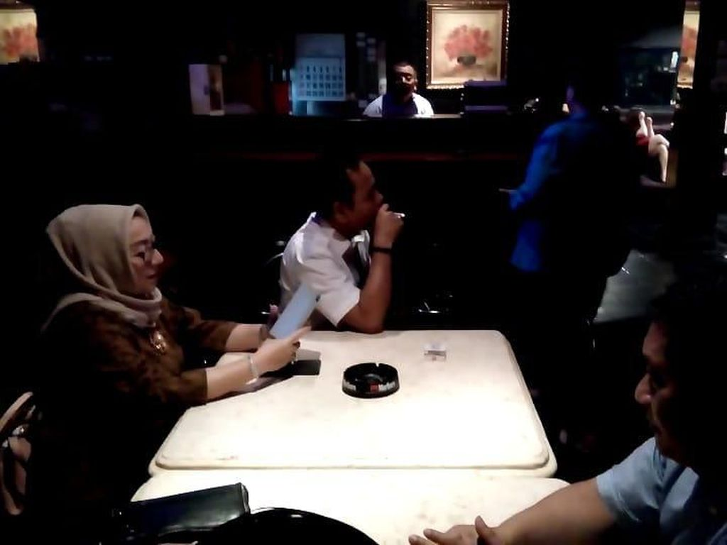 Sidak Panti Pijat, Anggota DPRD Surabaya Dimintai Surat Izin dan Dibentak