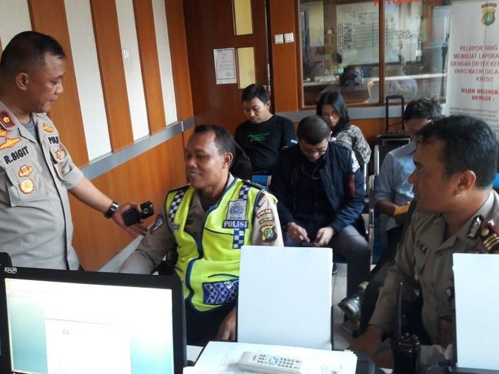 Tak Terima Ditilang, Pria di Bekasi Rampas HP Polisi Lalu Ditangkap
