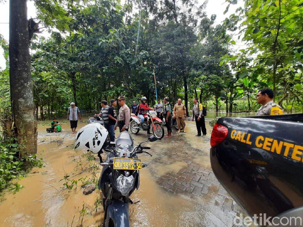 Banjir Kiriman dari Madiun Rendam Dua Desa di Ngawi