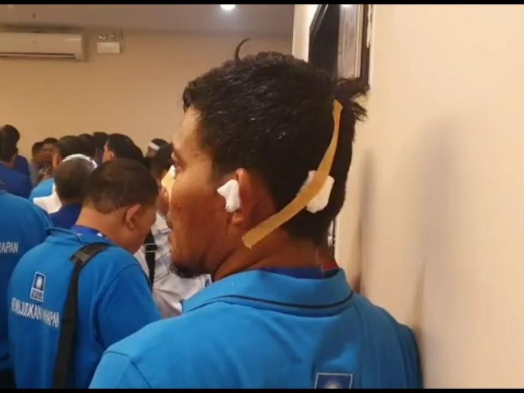 Video: Korban Ricuh Kongres PAN: Kepala Bocor, Kuping Berdarah