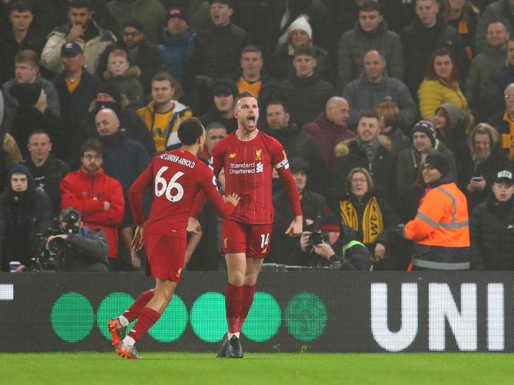 Main Bareng Messi atau Ronaldo? Jawaban Bek Liverpool Ini...