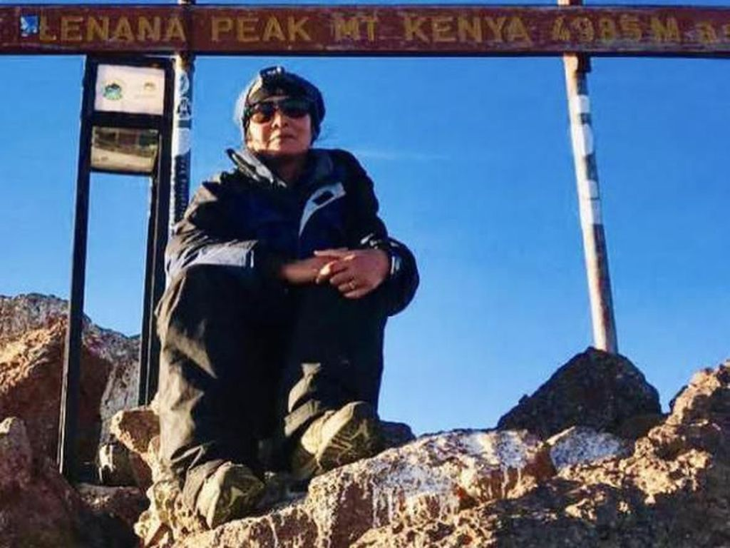 Menggapai Langit Afrika Lewat Mount Kenya