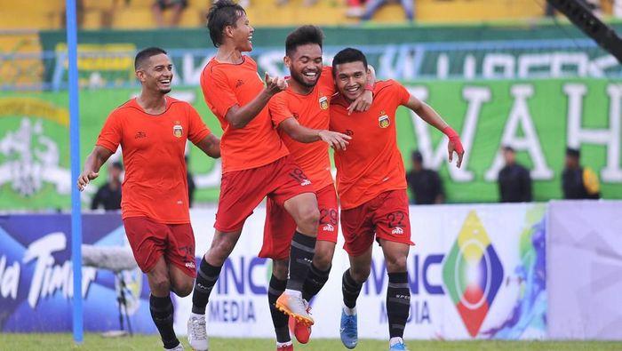 Bhayangkara FC meraih kemenangan atas Persebaya Surabaya