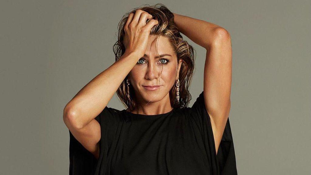Ultah Ke-51, Jennifer Aniston Tampil Seksi di Pemotretan Majalah