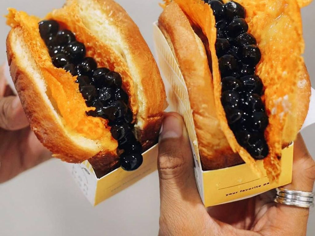 5 Kafe Ini Punya Creamy Boba Toast yang Bikin Ngiler
