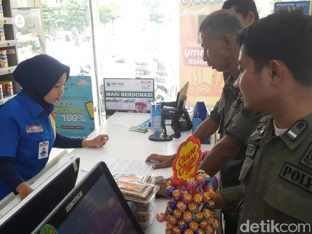 Pemkot Makassar Sebar Edaran Valentine: Beli Kondom Harus Pakai KTP