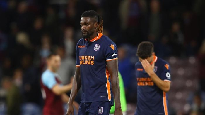 BURNLEY, ENGLAND - AUGUST 16:  Emmanuel Abebayor of Istanbul Basaksehir looks dejected at the end of the UEFA Europa League third round qualifier second leg between Burnley and Istanbul Basaksehir at Turf Moor on August 16, 2018 in Burnley, England.  (Photo by Clive Brunskill/Getty Images)