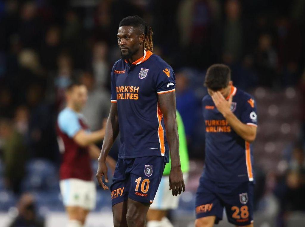Selesai di Turki, Adebayor Lanjut di Liga Paraguay
