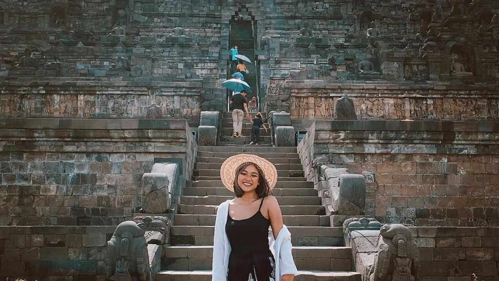 Potret Liburan Marion Jola, Borobudur Sampai Ubud