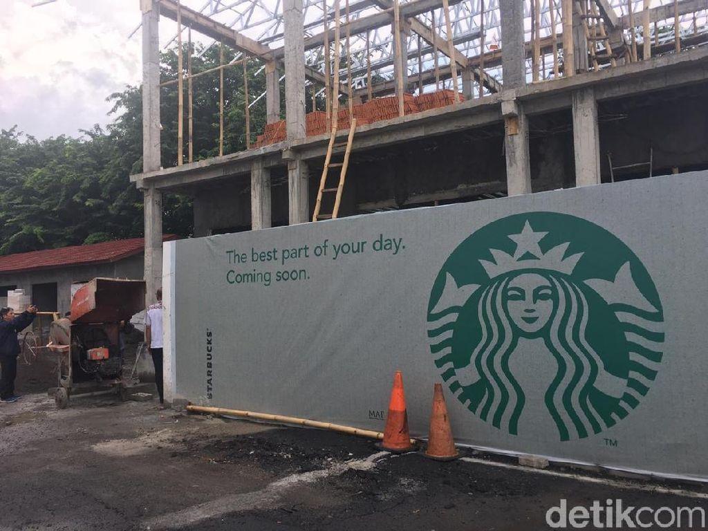 Tak Punya IMB, Pembangunan Kedai Starbucks di Semarang Disegel