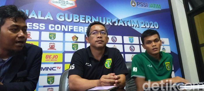 Pelatih Persebaya Surabaya Aji Santoso