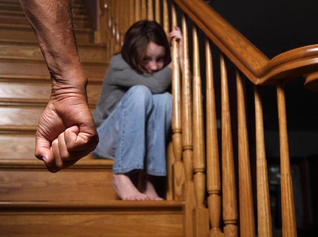 Ibu Bunuh Bayi-Iris Leher Anak Akan Diperiksa Kejiwaannya di Kendari