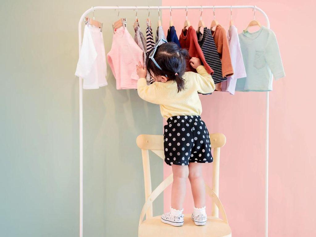 Anak Sering Alergi Bahan Pakaian? Perhatikan Hal Kecil Ini
