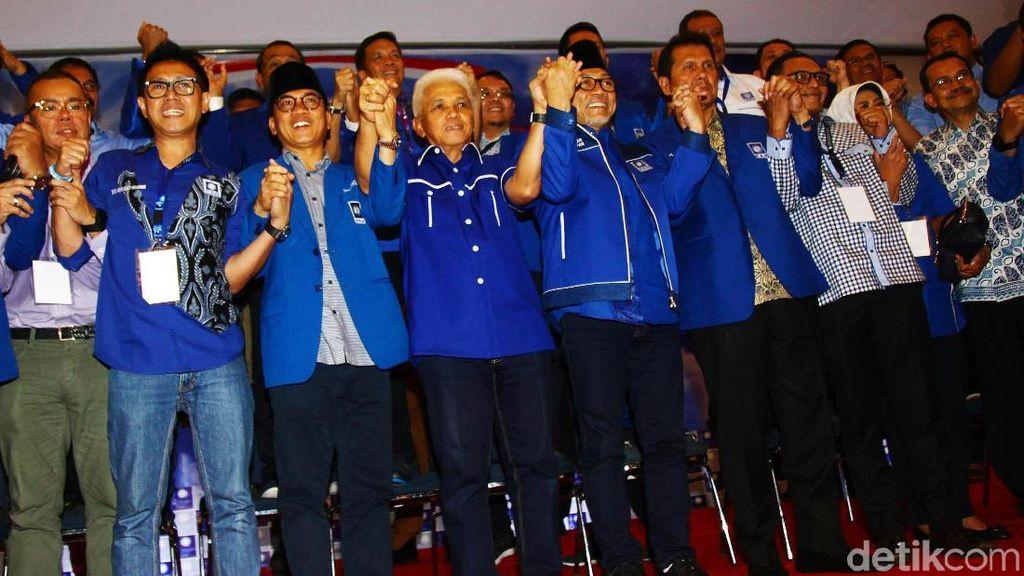 Gandengan Tangan, Zulkifli Hasan-Hatta Rajasa Tutup Kongres PAN