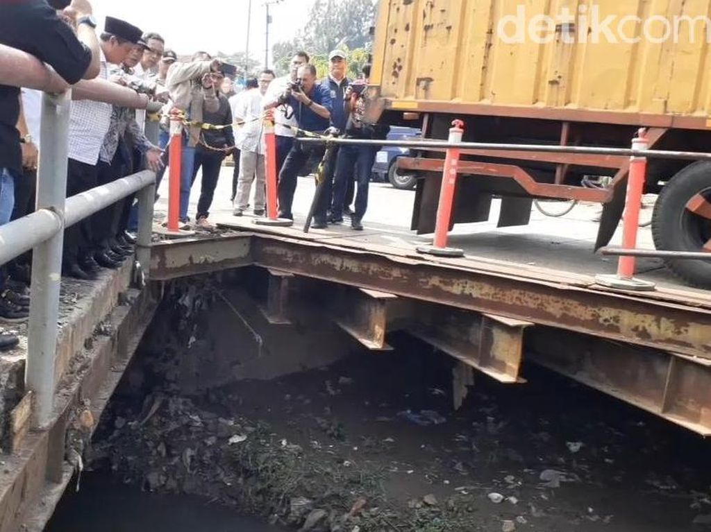 Warga Keluhkan Macet dan Banjir di Rancaekek, Wagub Uu Turun Cari Solusi