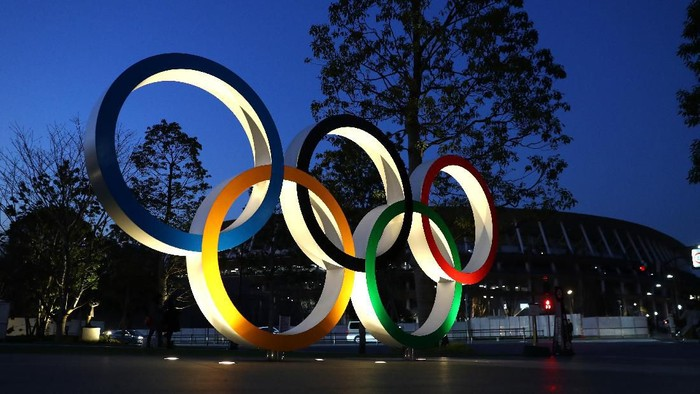 TOKYO, JAPAN - JANUARY 21: The Olympic rings are seen outside the  New National Stadium in Tokyo on January 21, 2020 in Tokyo, Japan. (Photo by Clive Rose/Getty Images)