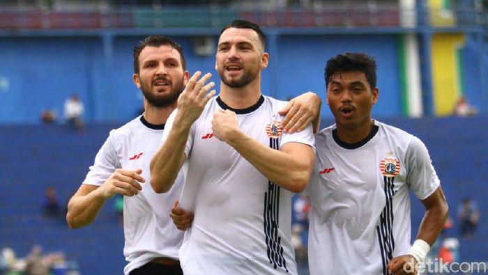Persija Jakarta mengalahkan Sabah FA di Piala Gubernur Jatim 2020 di Stadion Kanjuruhan, Malang.