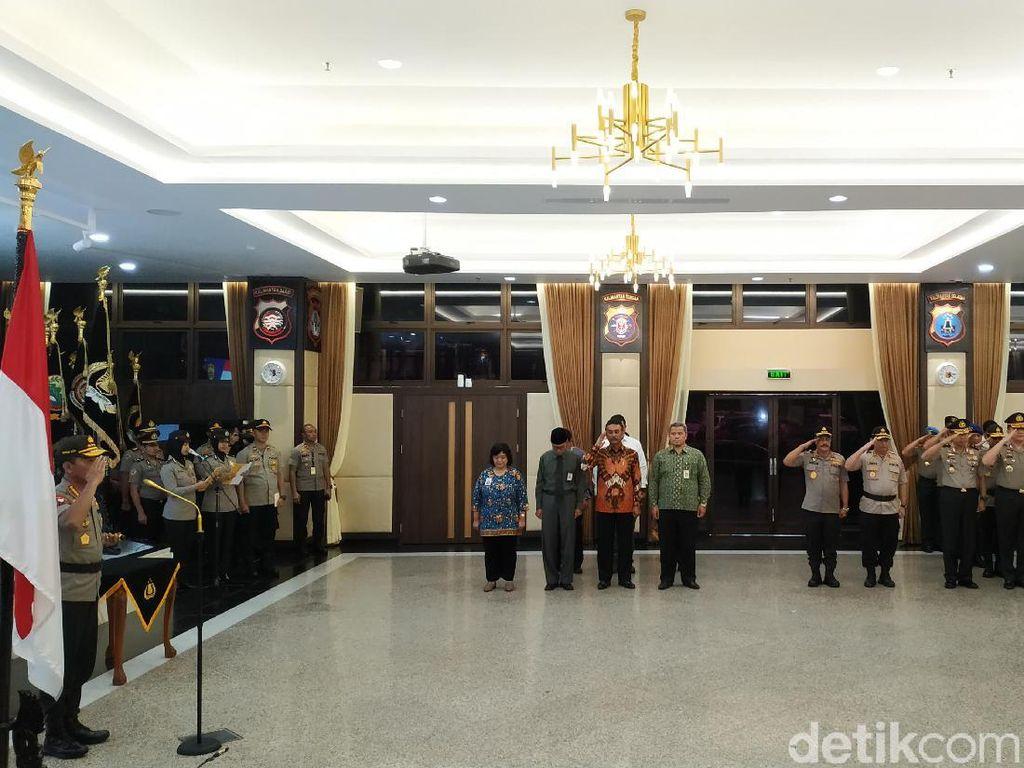 Kapolri Naikkan Pangkat 42 Perwira, 13 Orang Naik jadi Irjen