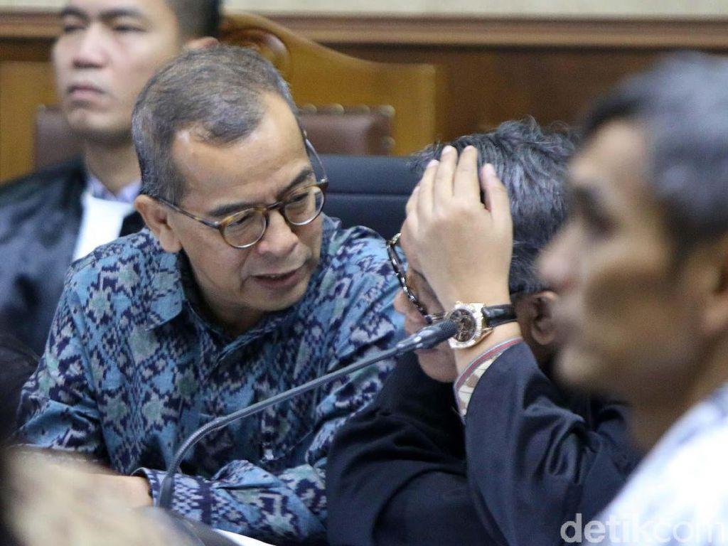 Emirsyah Satar dan Soetikno Soedarjo Hadapi Vonis Kasus Suap Hari Ini