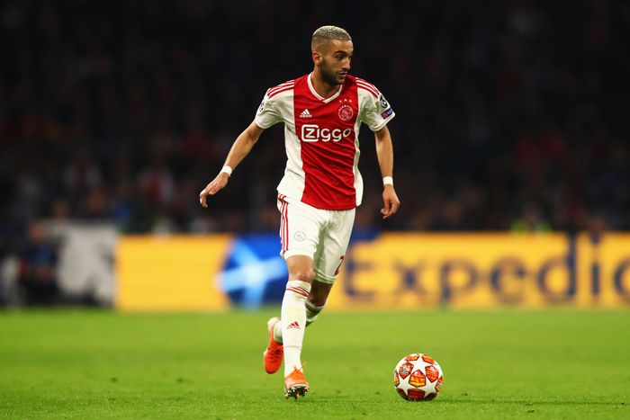 AMSTERDAM, NETHERLANDS - MAY 08: Hakim Ziyech of Ajax in action during the UEFA Champions League Semi Final second leg match between Ajax and Tottenham Hotspur at the Johan Cruyff Arena on May 08, 2019 in Amsterdam, Netherlands. (Photo by Dean Mouhtaropoulos/Getty Images)