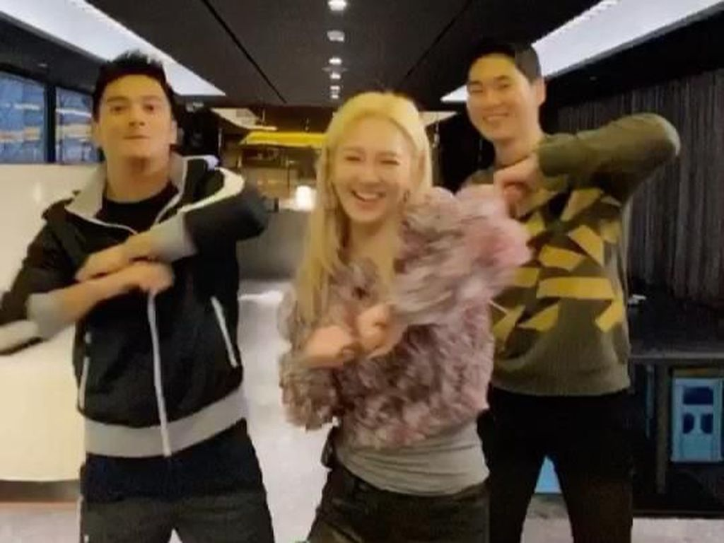 Usai Goyang Dangdut Remix, Hyoyeon SNSD Makan Bareng Boy William