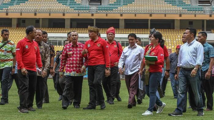 PSSI memasukan Riau sebagai kandidat penyelenggaraan Piala Dunia U-20 di 2021 mendatang. PSSI pun tinjau Stadion Utama Riau terkait penyelenggaraan itu.