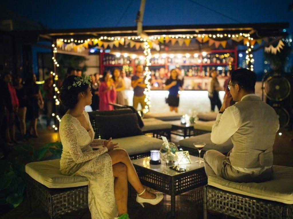 5 Kafe Rooftop Ini Tawarkan Pemandangan Cantik Plus Makanan Enak