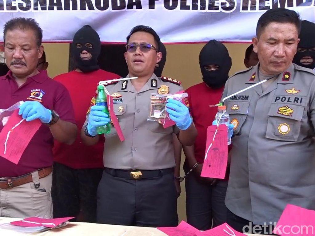 Terciduk! Eks Anggota DPRD Rembang Kepergok Beli Sabu di WC Umum