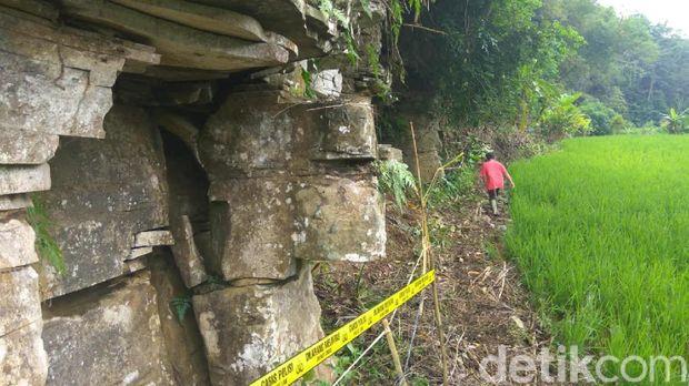 Susunan Batu Raksasa yang Masih Misterius di Ciamis