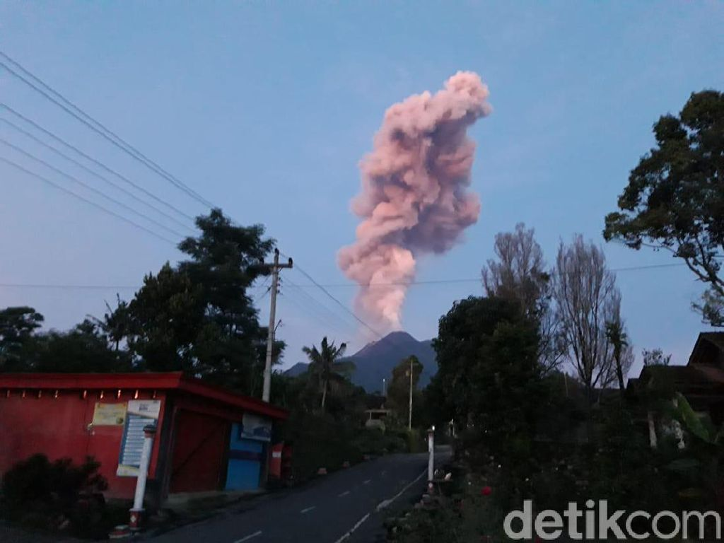 Pasca Erupsi, Aktivitas Warga Lereng Gunung Merapi Masih Normal