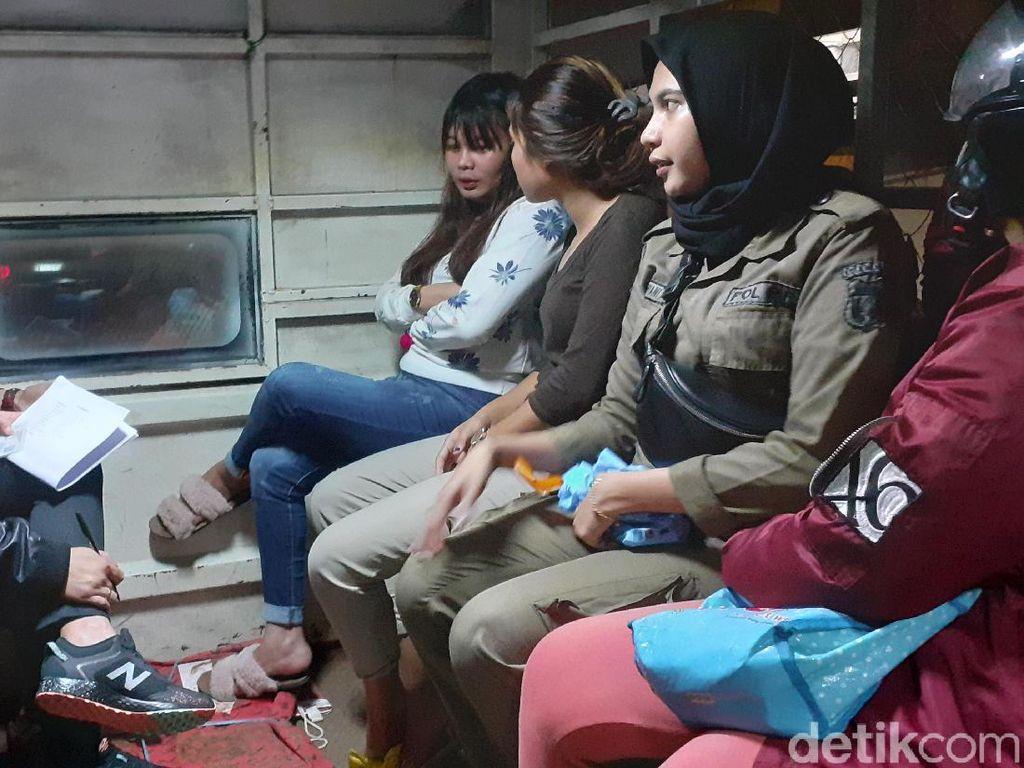 Malam Valentine, Belasan Remaja dan 1 WN Jerman di Makassar Terjaring Razia