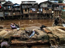 Nasib Proyek Antibanjir Ciliwung di Tangan Anies