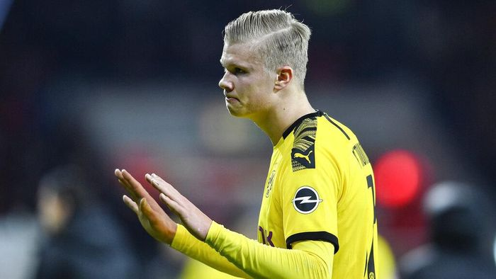 Dortmunds Erling Haaland reacts disappointed after losing the German Bundesliga soccer match between Bayer Leverkusen and Borussia Dortmund in Leverkusen, Germany, Saturday, Feb. 8, 2020. Leverkusen defeated Dortmund with 4-3. (AP Photo/Martin Meissner)