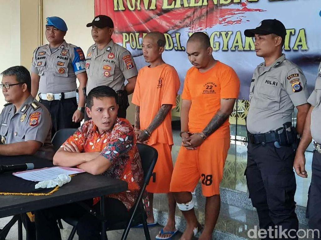 Ternyata, Santang Preman Sadis Yogya Serahkan Diri ke Polisi Diantar Ibu