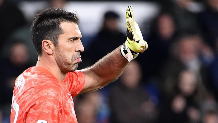 GENOA, ITALY - DECEMBER 18: Gianluigi Buffon Juventus goalkeeper gestures during the Serie A match between UC Sampdoria and Juventus at Stadio Luigi Ferraris on December 18, 2019 in Genoa, Italy. (Photo by Paolo Rattini/Getty Images)