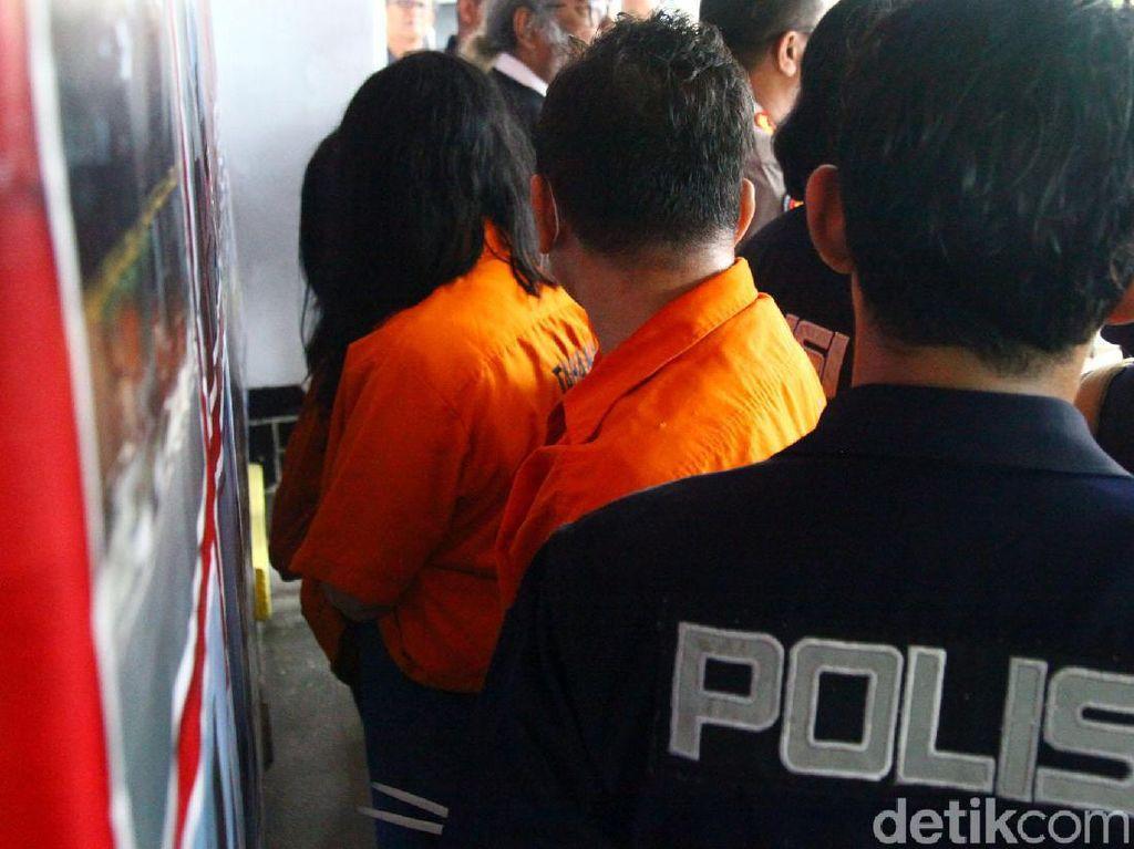 Video Polisi Buru Dokter Pengganti yang Aborsi 903 Janin di Senen!