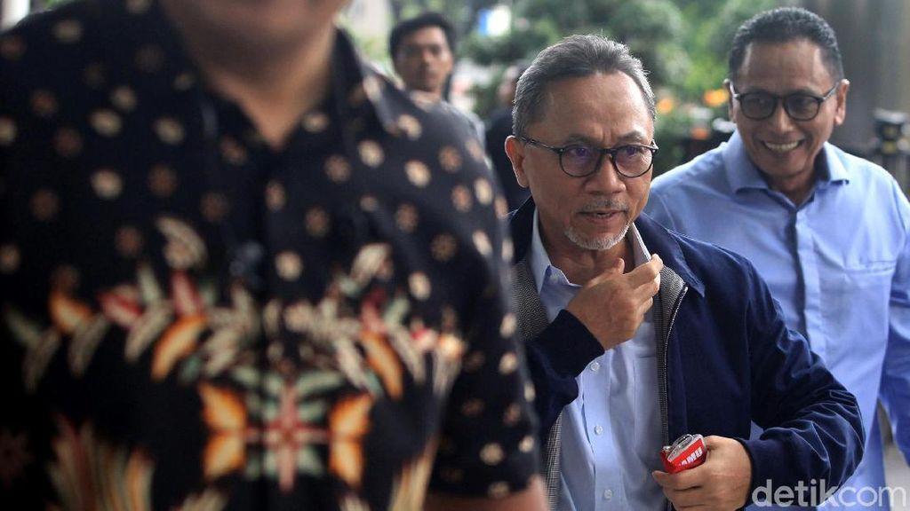 Ekspresi Tegang Zulkifli Hasan saat Penuhi Panggilan KPK