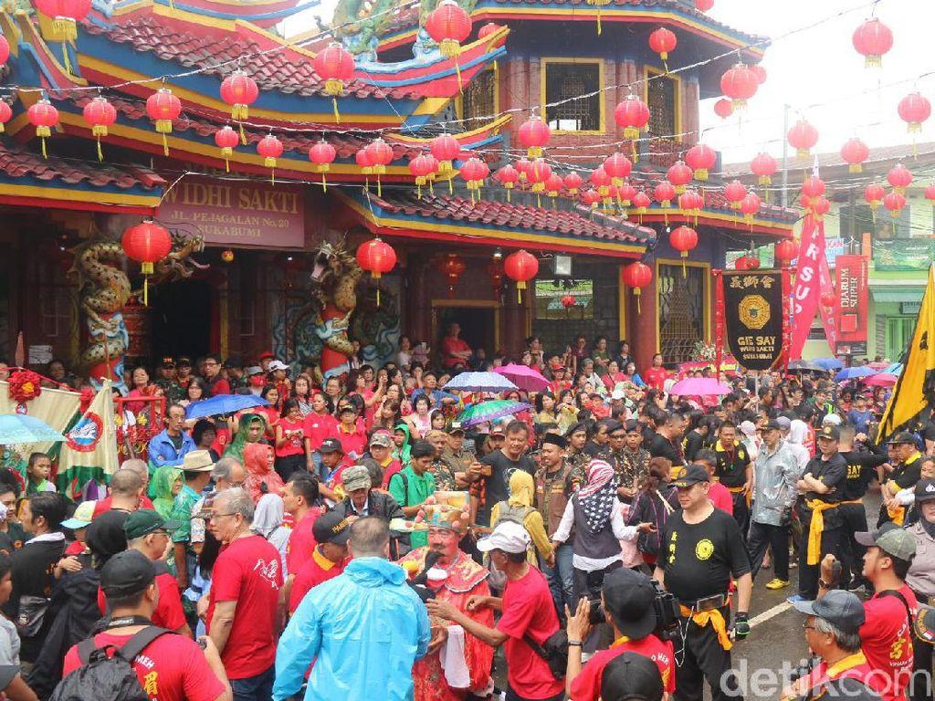Pawai Cap Go Meh, Jalanan di Kota Sukabumi Direkayasa