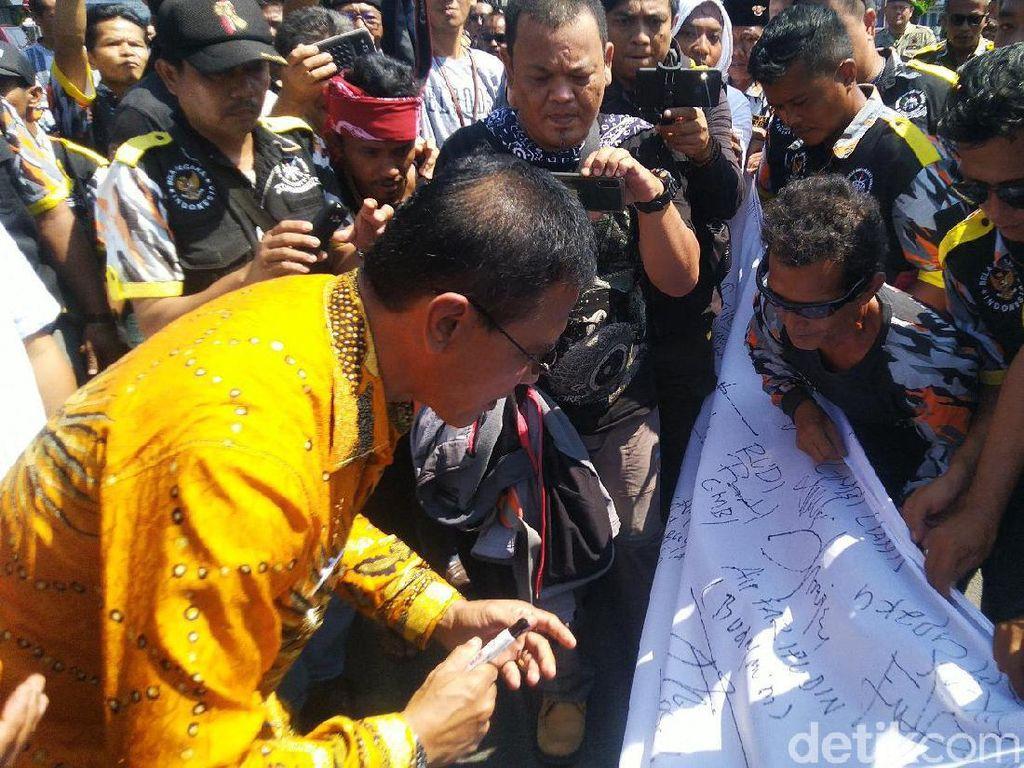 Ikut Aksi Protes Ridwan Saidi, Bupati Ciamis: Kita Tuntut Secara Hukum!